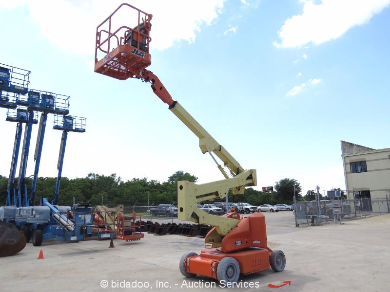 Narrow Articulating Boom Lift : Jlg e an electric articulating boom lift aerial