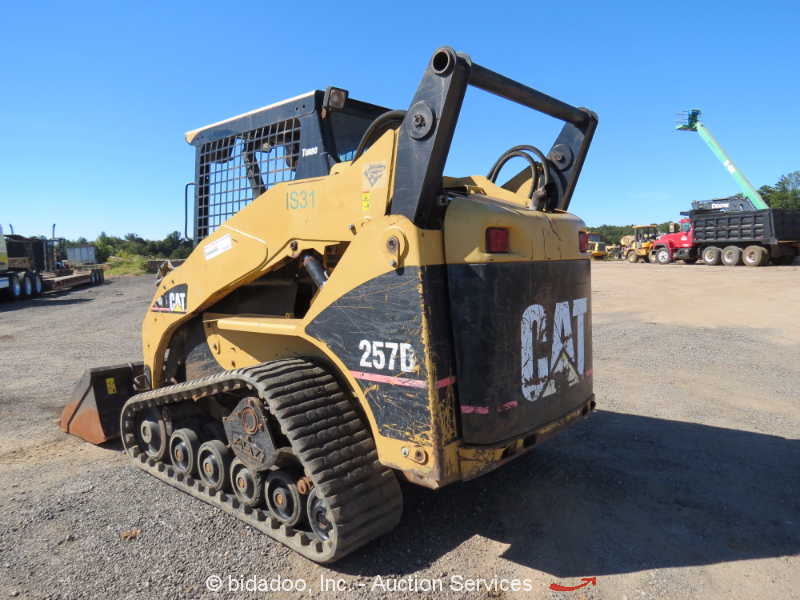 Skid Steer Drivetrain : Caterpillar b skid steer rubber track loader