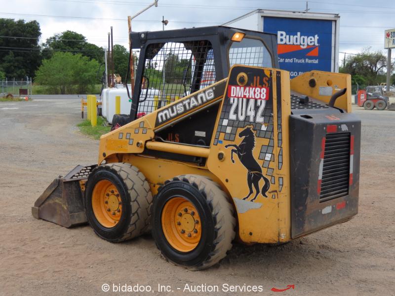 Skid Steer Drivetrain : Mustang skid steer wheel loader auxiliary