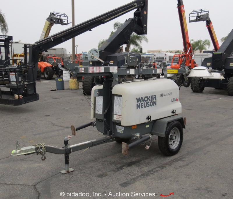 Light Tower United Rentals: 2013 Wacker Nesuon LTN6L 6L Towable Light Tower Generator