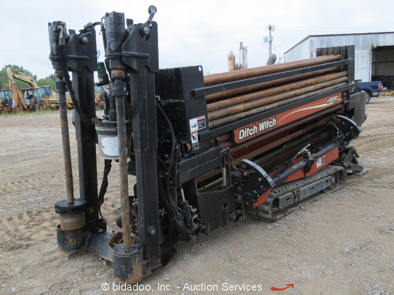 2011 Ditch Witch JT2020 Mach1 Horizontal Directional Drill HDD 2 Racks Tooling