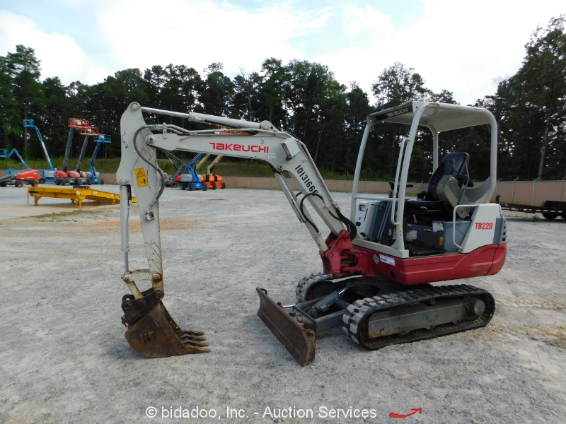 2013 Takeuchi TB228 Mini Excavator Rubber Tracks Backhoe Aux Hyd bidadoo