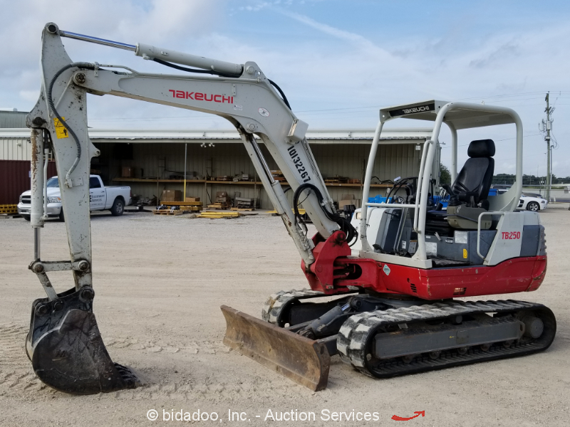 2014 Takeuchi TB250 Mini Excavator Rubber Tracks Backhoe Yanmar Diesel bidadoo
