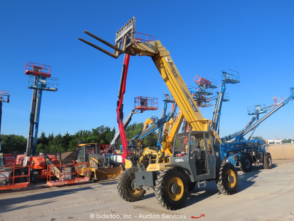 2013 Gehl RS8-42 8K Telescopic 42' Reach Forklift Telehandler John Deere bidadoo