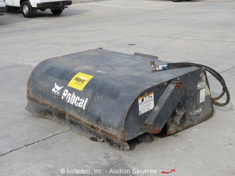 2010 Bobcat 60 Sweeper Bucket Broom Skid Steer Aux Hyd